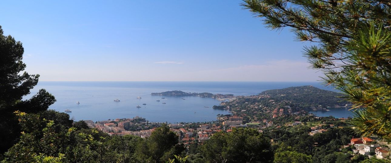 Best Places to Visit in French Riviera - Coast Line