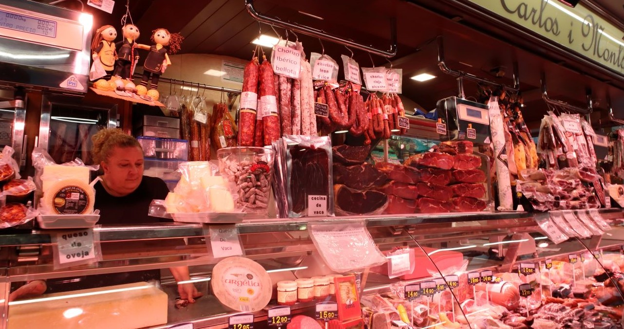 Best Tapas Tour of Barcelona - Jamon Iberico and Cheese