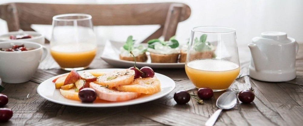 The How To's of Staying Healthy While Traveling - Breakfast